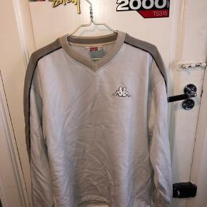 Fed vintage Kappa trøje. Smid et bud hvis det noget for dig.