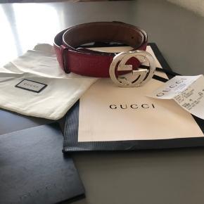 Sælger dette Gucci bælte for min kæreste, det er i fin stand, men brugt. Kvittering og alt andet haves. Det er en størrelse 90