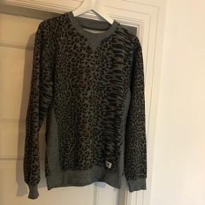 Herre sweatshirt fra Wood Wood i str. M. Perfekt stand.