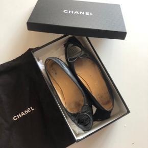 Flotte ballerinaer fra Chanel i str 37.5. God men brugt stand