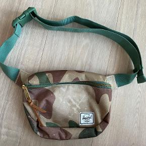 Herschel bæltetaske