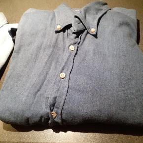 Mega cool denim - meget blød - fra stenstrøms. Som ny. Med lange ærmer. Virkelig topkvalitet.  Se mine andre skjorter. 😀 vi kan handle. De passer den samme str