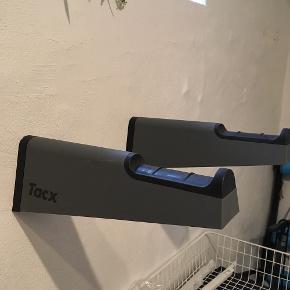 Tacx cykelholder til væg