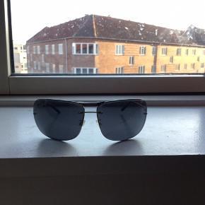 Georg Jensen solbriller sælges..    Ikke brugt ret meget, så fremstår flotte..    Mener nyprisen var ca 1900.kr, for et par år siden..    Har desværre ikke etuiet længere..     SE OGSÅ MINE ANDRE ANNONCER.. :D