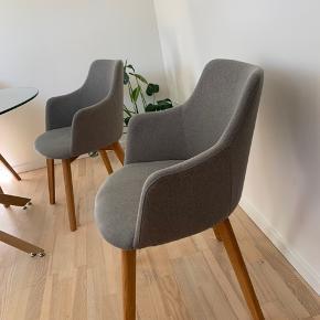 Næsten som nye. Balkan spisebordsstole købt hos Bilka. Nypris pr stk. 1199 kr. pr. stol - to for 1499 kr.  Sælger 4 stk. for 600 kr. stk.  Mål B: 68 H: 81 D: 59