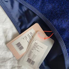Beck sondergaard bikini Blå glimmer Nåede aldrig at bruge den i sommers , derfor sælges den:) Byd gerne