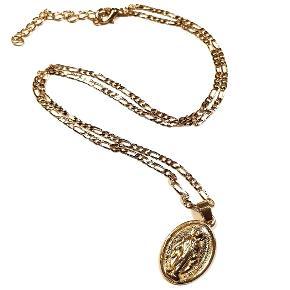 Smukt smykke med flot kæde til.   Se profil for mange flere smykker