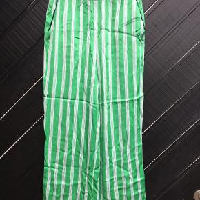 Super fede viscose bukser fra Resume, str. XS.