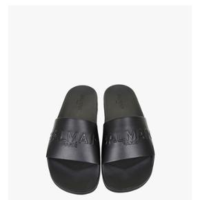 Så fine sandaler i læder. Desværre en smule for små til mig. Spørg venligts kun om billeder el. andet, hvis du er seriøst int. i at købe. Prisen er helt fast og forhandles ikke !
