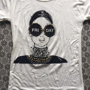 Sjov T-shirt. Kom endelig med bud 😊