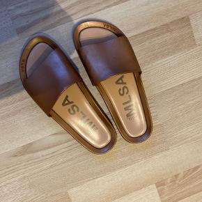 Melissa sandaler