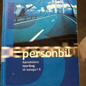 Teoribog til personbil kørekort med cd-rom til øvning inden testen