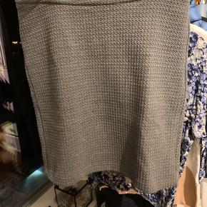 Pencil skirt. Aldrig brugt