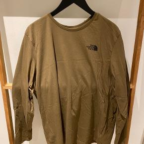 North Face bluse