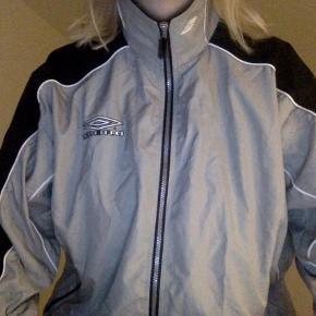 Mega fed oversized jakke fra Umbro!!!