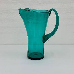 Den smukkeste grønne glaskande designet af Jacob E. Bang for Kastrup glasværk 1960. Højde: 21,9 cm Diameter: 12,7 cm
