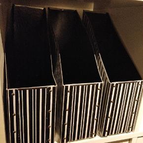 Fire stk. opbevaring til kontoret eller værelset. 💼📂 Kan anvendes til opbevaring af diverse dokumenter, fagblade, osv.  💼📁📜