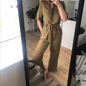 Monki buksedragt