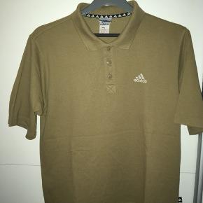 Vintage Adidas polo, super god stand