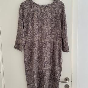 Graumann kjole
