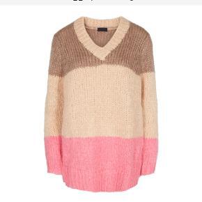 Dejlig, blød sweater fra 2nd Day - Day Birger et Mikkelsen  Mohair 25 %   Model: Bloggers   Nypris: 1595,-