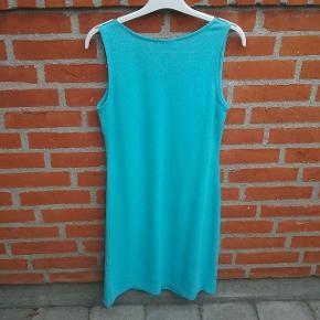 Turkis Fransa kjole str. S (bemærk vaskeanvisningen er klippet af da den ellers vil kradse)   🌞 Ved køb af flere ting. Skriv til mig inden du vælger køb nu. Så samler jeg det sammen i en pakke og en porto 🌞