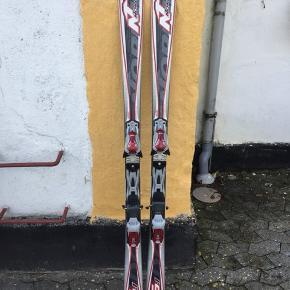 Nordica ski 157 cm.  Gode bindinger og kun få tegn på brug.