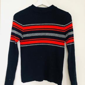 Sweater / Pull over fra Urban.  Aldrig brugt 🌜