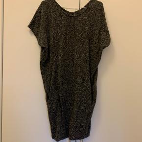 BYD! Fin kjole i god stand.