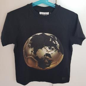❌ NY ❌ Molo t-shirt str 98. Aldrig brugt, vasket eller prøvet på.