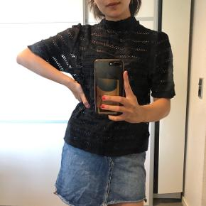 Super fin t-shirt Str: fitter en xs - medium Byd :)