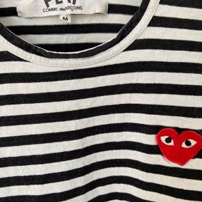 Ingen fejl og skader men trøjen er brugt, og det ses at den er blevet vasket ☀️  Kom endelig med et bud