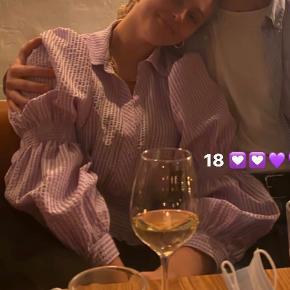 Smuk lilla ternet bluse/skjorte fra Zara. Kun brugt 1 gang.