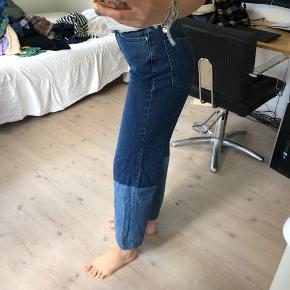Sælger disse bukser fra NA-KD, de er i en str 36/S og de er som nye! Byd gerne