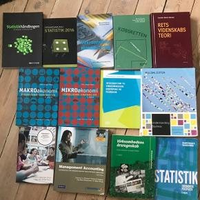 Sælger disse studiebøger til HD, erhvervsøkonomi, jura, erhvervsjura. Skriv for pris og stand :-) Kan sendes med DAO eller afhentes i Aalborg.