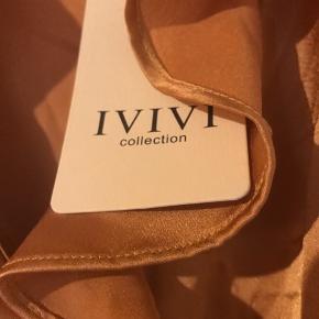 Aldrig brugt - var desværre for lille. Ivivi kjole med lynlås i siden. BYD