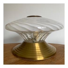 Vintage Murano lampe fra 70'erne. Diameter ca. 32 cm. Højde fra 15-18 cm.