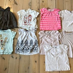 34 stk Sommertøj str 98 Bukser/shorts 1 par bukser H&M 6 par leggings (Molo, name it) 4 par shorts (H&M, zara) 1 heldragt H&M  12 kjoler (Mads&Mette, wheat, H&M, cupcake, name it, kids)  10 Bluser/t-shirts/skjorte (Zara,pomp de Lux, h&m,petit Bateau)