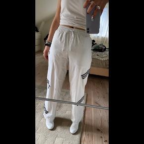 Udgået Adidas x Daniëlle Cathari🙌🏼  Mærket er ved at falde ud men de er   brugt Max 3 gange💃🏼