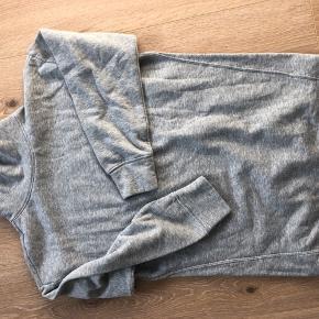 Jacqueline de Young Oversize sweater / sweatshirt kjole  Str m, kan også bruges af en xs/s alt efter hvordan man ønsker den skal sidde.