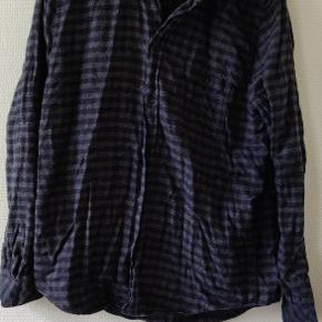 Samsøe Samsøe skjorte str L  Brugt 3 gange  Mørkeblå og striper i grå