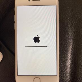 iPhone 8 64gb, brugt meget sparsomt. Der er ingen store ridser eller andet. Boks medfølger.