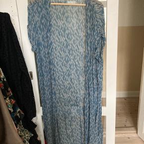 Fin kjole / kimono fra Ganni