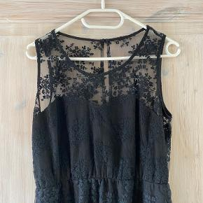 Jeane Blush kjole