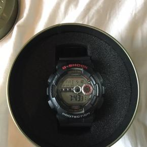 Rigtig fint ur, af mærket G-Shock. Lidt ridser på remmen, men ellers ingen ridser overhovedet. Kom med et bud Ingen kvit., da det var en gave😉