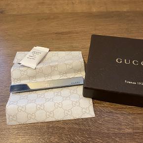 Gucci Broche