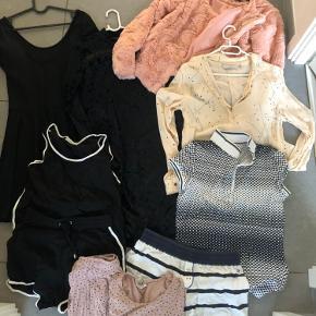 Meget pænt tøj. Mange forskellige mærker.  Sælges samlet