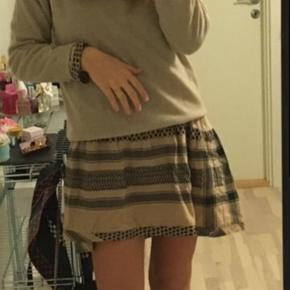 """Sælger denne mega flotte kjole fra Cecilie Copenhagen. Kan styles på mange måder;)  Standen er """"god men brugt"""" men ingen fremtrædende tegn på slid eller brugsspor.  Byd gerne:)"""