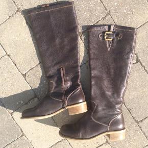 De flotteste brune Billi Bi støvler.