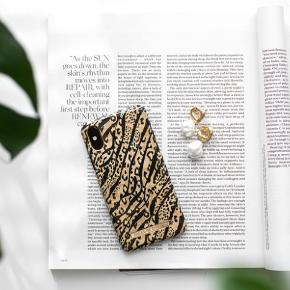 IDeal of Sweden Leo Mania til Iphone XR. Købt forkert størrelse på, og pga høj fragt til Sverige returnere jeg den ikke men sælger den. Har kopi af faktura.